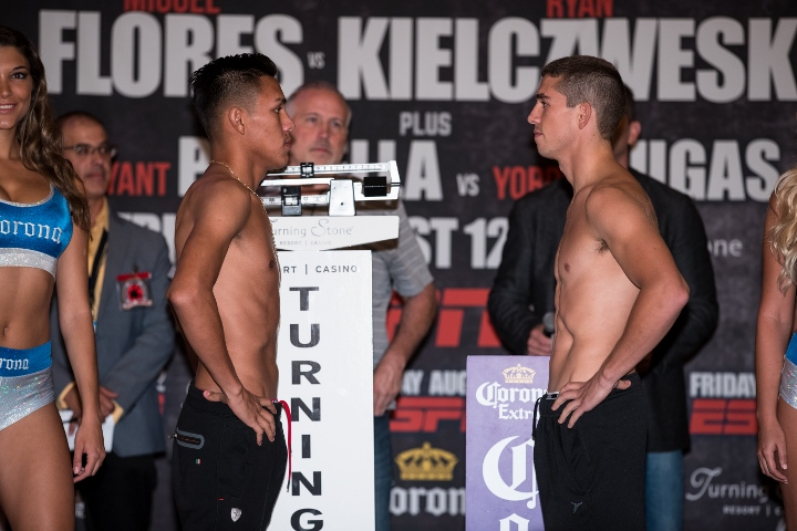 Flores vs Kielczweski Weigh In_08_12_2016_Weigh-in_Brett Carlsen _ Premier Boxing Champions (720x480)