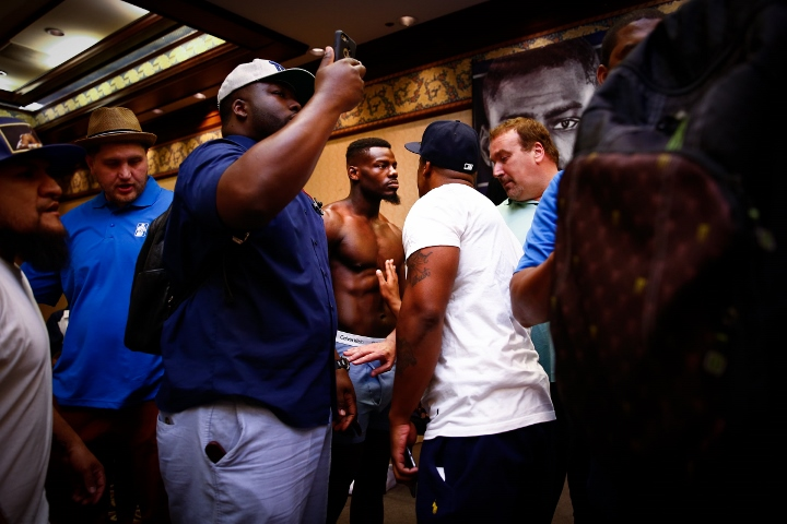 LR_WEIGH IN-ANDREW TABITI-TRAPPFOTOS-05122016-0979 (720x480)