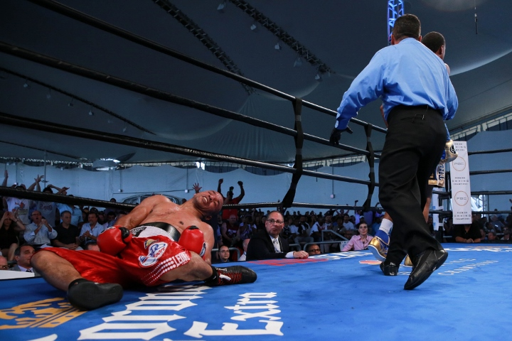 Spence vs Bundu_08_21_2016_Fight_Ryan Greene _ Premier Boxing Champions5 (720x480)
