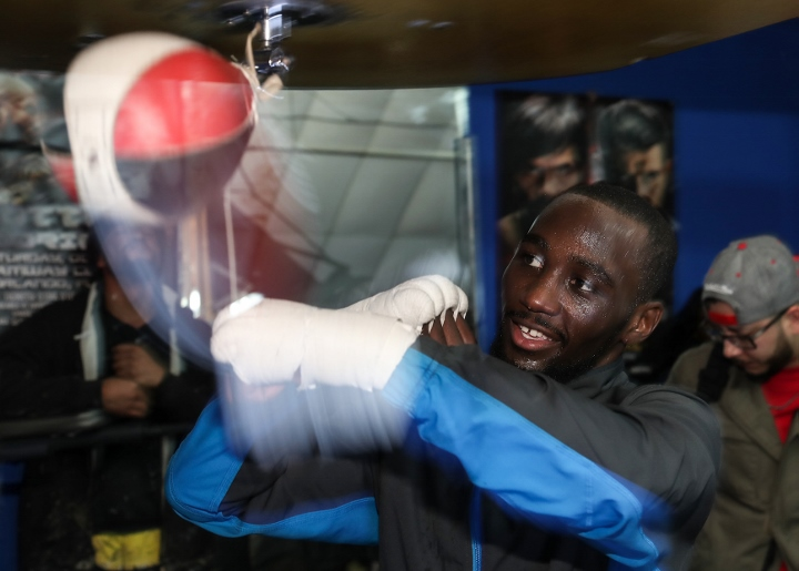 Terence_Crawford_Mediaday_speedbag2 (720x515)