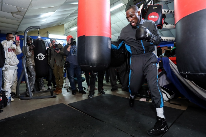 Terence_Crawford_mediaday_heavybag (720x477)