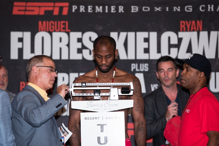 Yordenis Ugas Weigh In_08_12_2016_Weigh-in_Brett Carlsen _ Premier Boxing Champions (720x480)_1