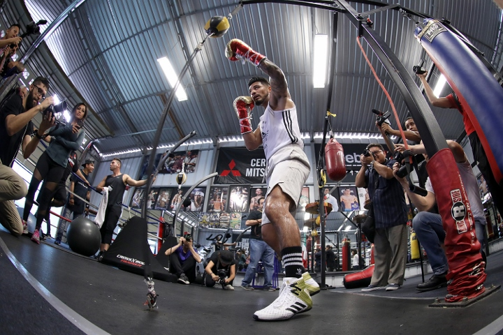 abner-mares (16)