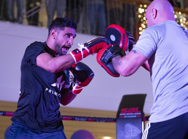 Amir Khan Too Big, Too Fast - Puts Away Billy Dib in Four
