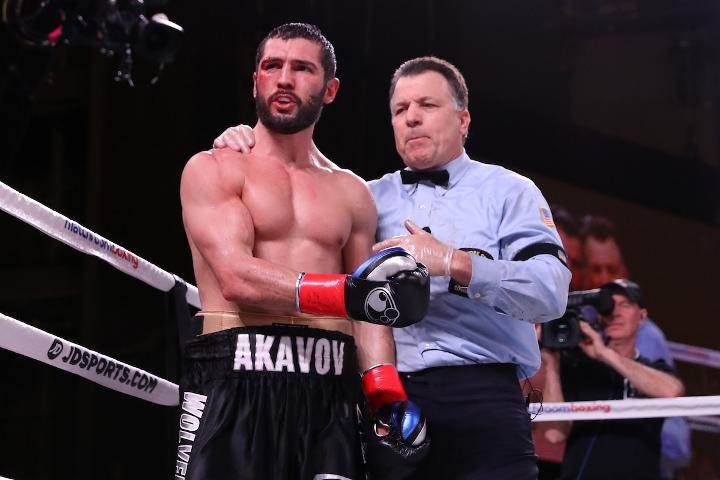 andrade-akavov-fight (26)