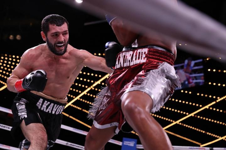 andrade-akavov-fight (4)