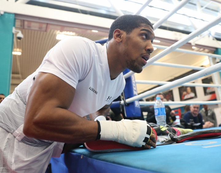 Boxing champion Anthony Joshua puts faith in noisy fans