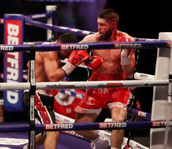 avanesyan-kelly-fight (30)