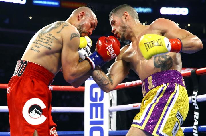 barboza-alvarado-fight (5)