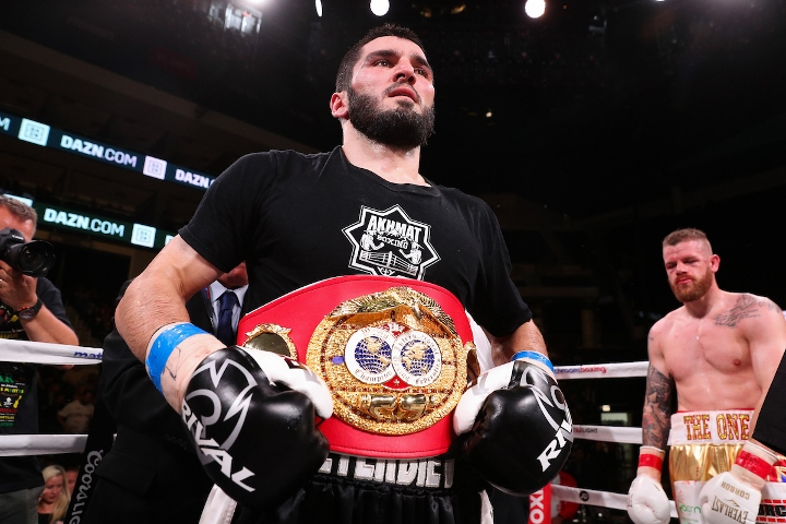 beterbiev-johnson-fight (17)