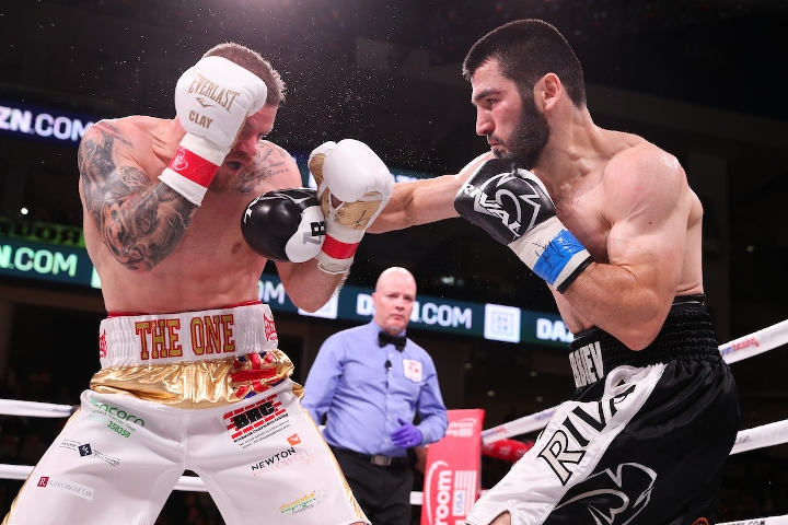beterbiev-johnson-fight (2)