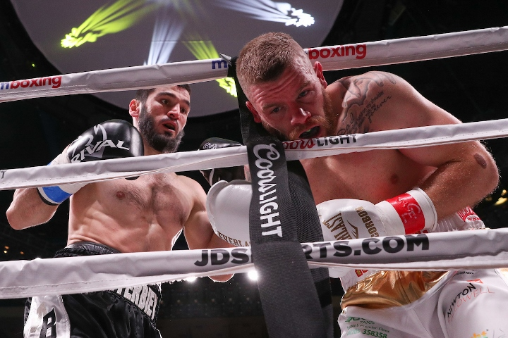 beterbiev-johnson-fight (27)