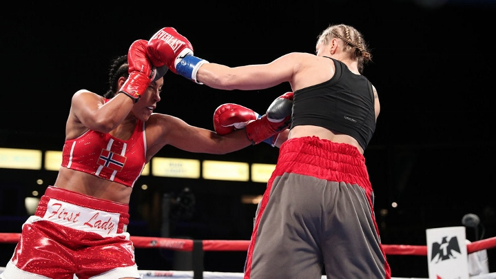braekhus-lopes-fight (6)