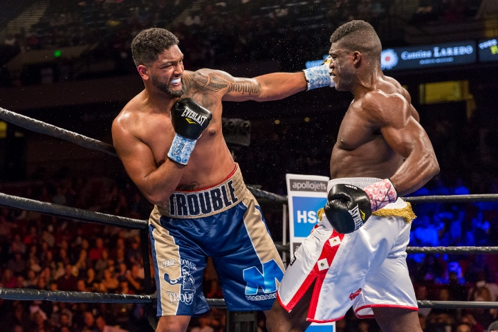 breazeale-ugonoh-fight (10)