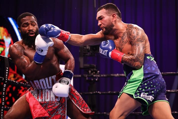broner-santiago-fight (12)
