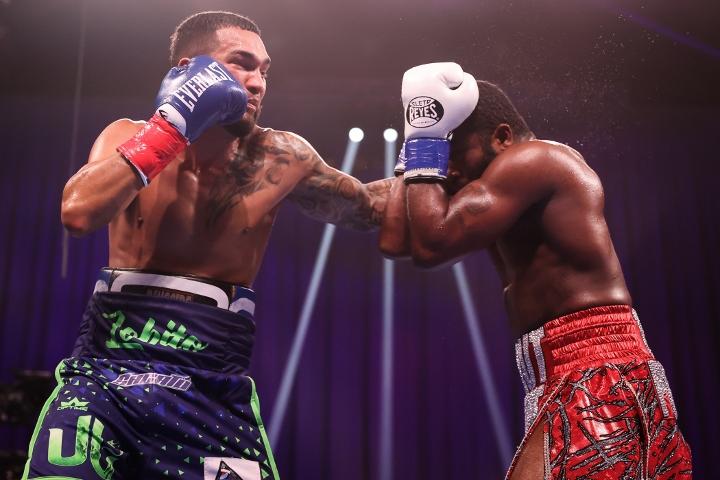 broner-santiago-fight (20)