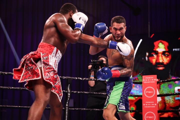 broner-santiago-fight (22)