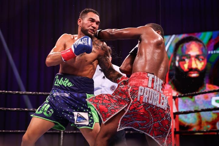 broner-santiago-fight (30)