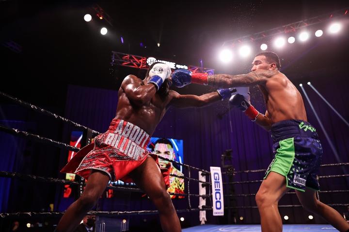 broner-santiago-fight (34)