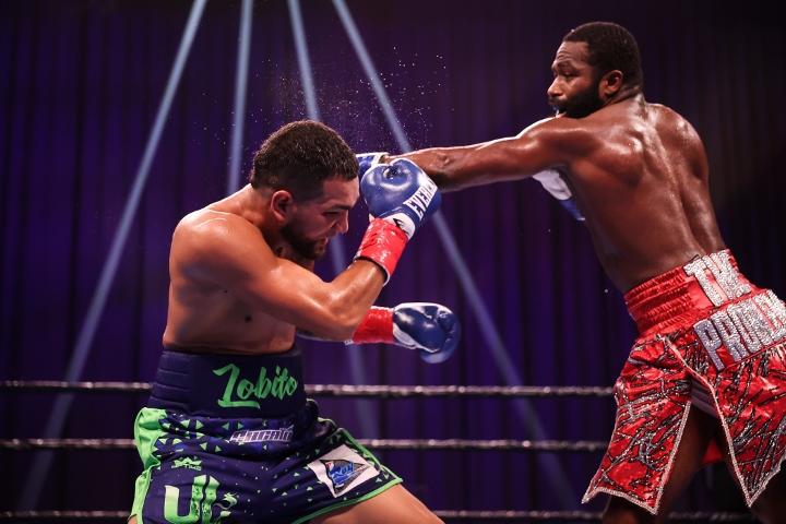 broner-santiago-fight (36)