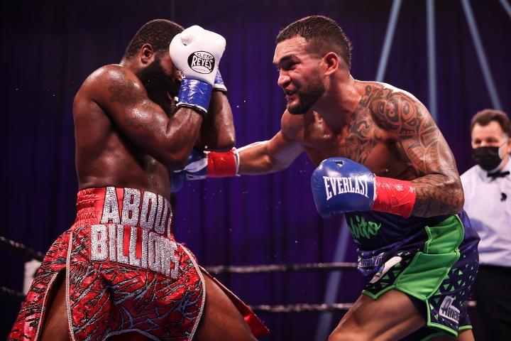 broner-santiago-fight (37)