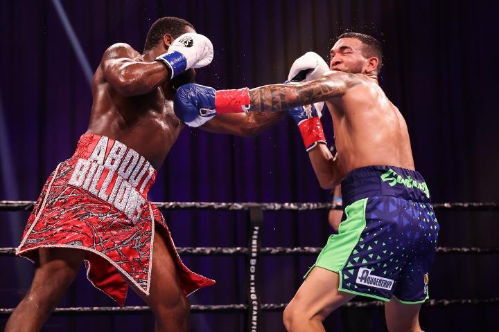 broner-santiago-fight (38)