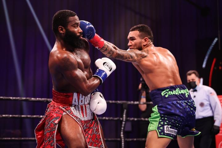broner-santiago-fight (4)