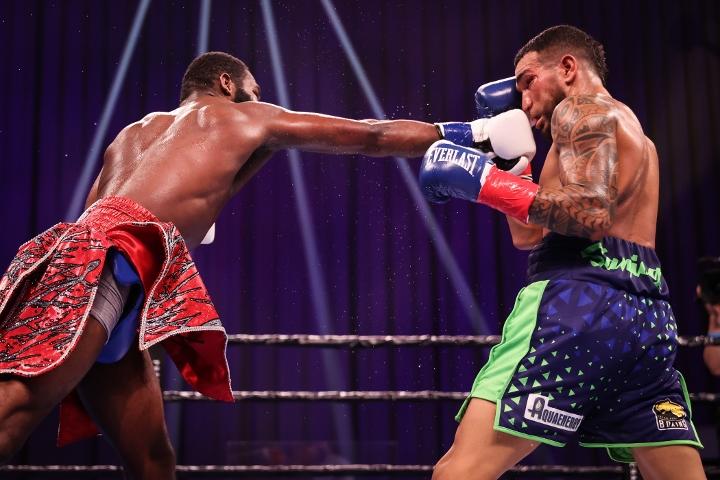 broner-santiago-fight (41)