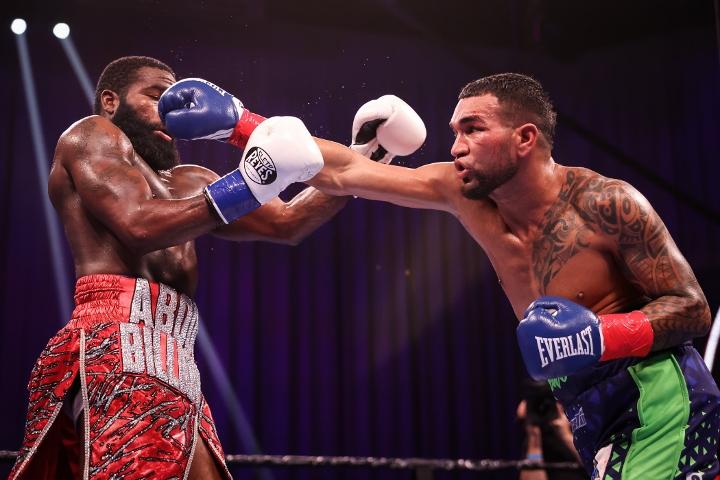 broner-santiago-fight (43)