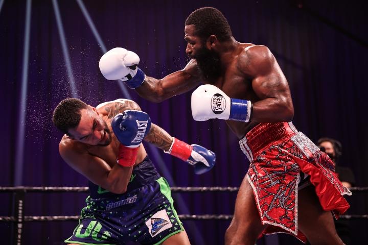 broner-santiago-fight (44)