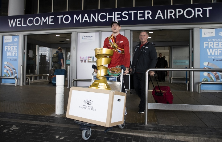 Photos: Callum Smith Arrives Home With A lot of Hardware
