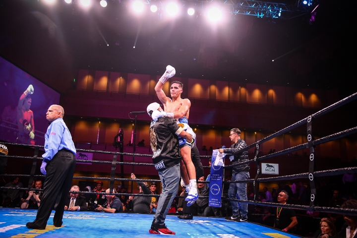 castano-omotoso-fight (1)