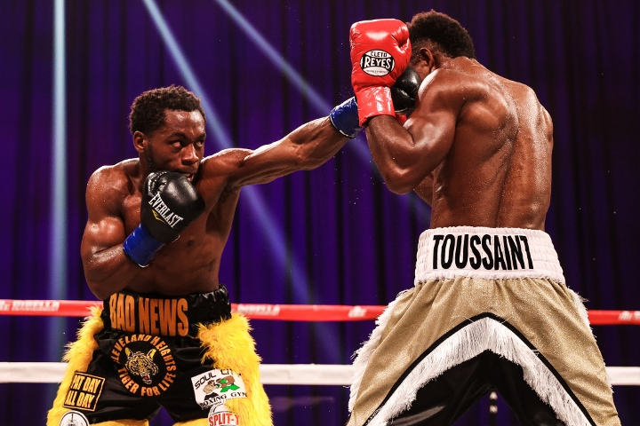 conwell-toussaint-fight (10)