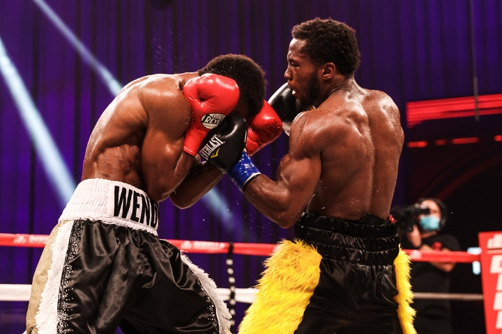 conwell-toussaint-fight (16)