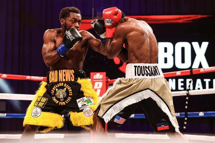 conwell-toussaint-fight (17)