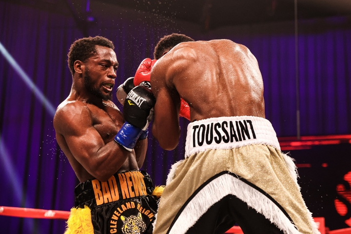 conwell-toussaint-fight (21)