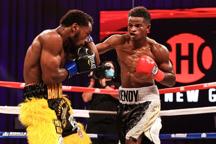 conwell-toussaint-fight (24)