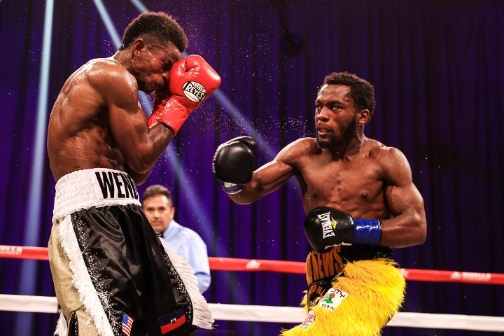 conwell-toussaint-fight (31)