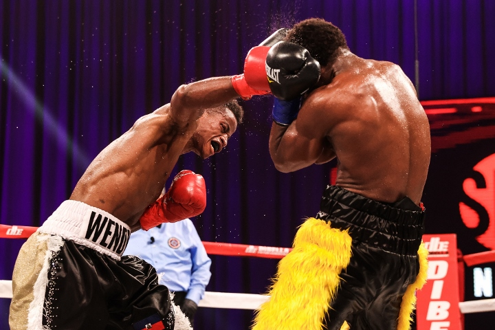 conwell-toussaint-fight (34)