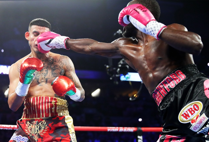 crawford-benavidez-fight (7)
