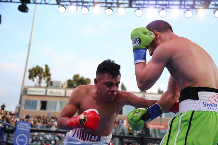 danny-garcia-granados-fight (32)