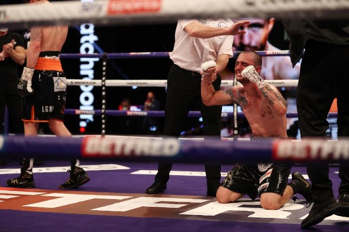 davies-valenzuela-fight (29)