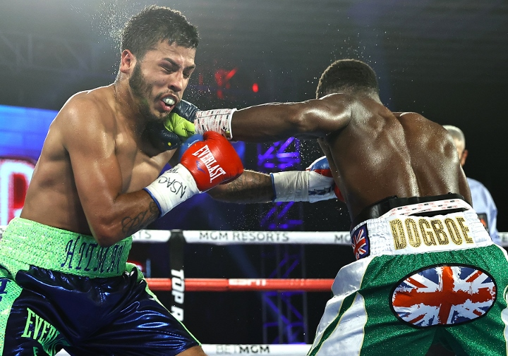 dogboe-avalos-fight (11)