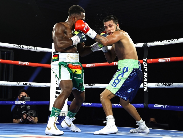 dogboe-avalos-fight (8)
