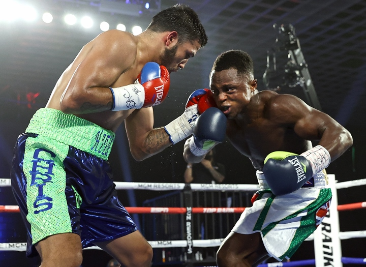 dogboe-avalos-fight (9)