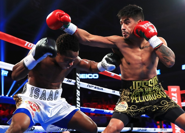 dogboe-magdaleno-fight (16)