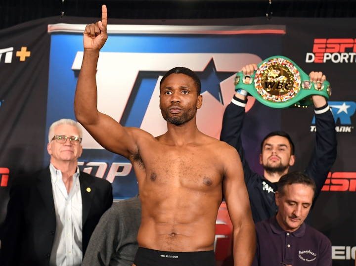 Gvozdyk retains WBC light heavyweight title as Ngumbu hurt