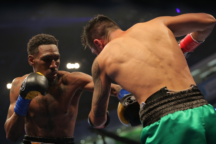 Robert Easter Retains World Title With Points Win Over Shafikov