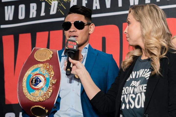 Navarrete dominates Santisima to retain WBO super bantamweight title