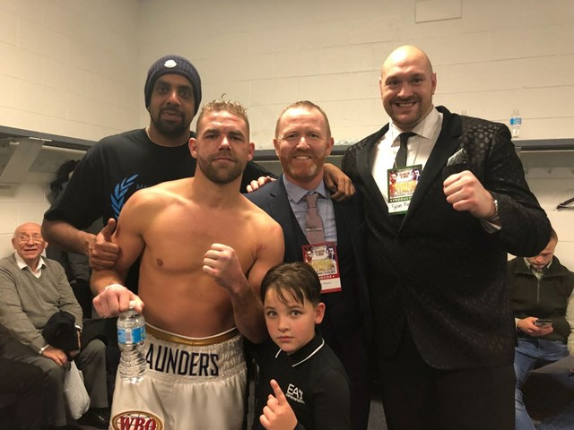 Saunders outclasses Lemieux to retain title